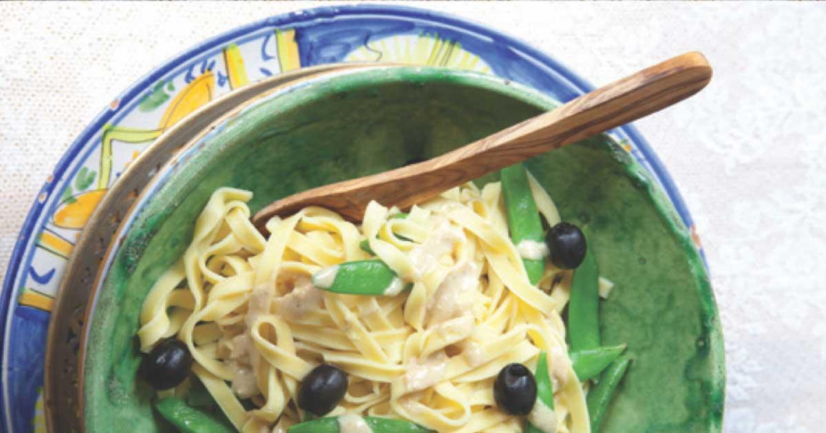 Pasta met gegrilde-asperges en macadamiaboter